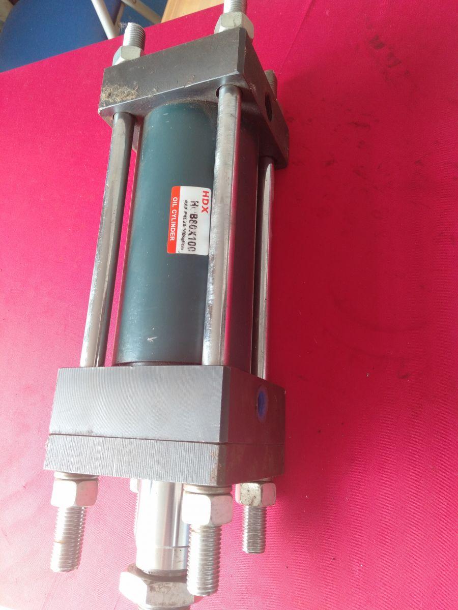xilanh-thuy-luc-hydraulic-cylinder