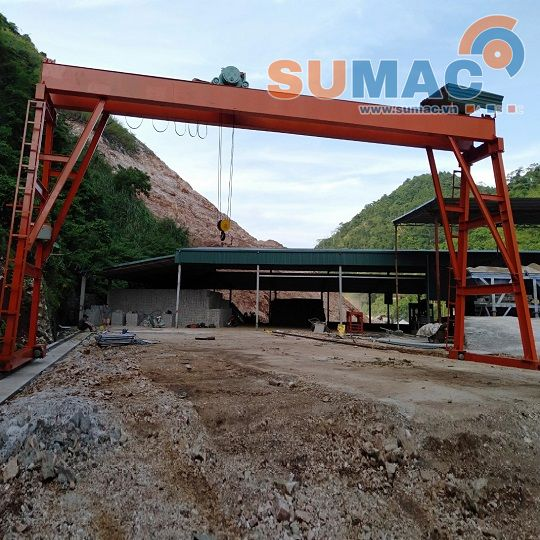 cong-truc-5-tan-12m-hoist-crane